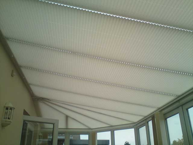 pleated-roof-blinds5-640