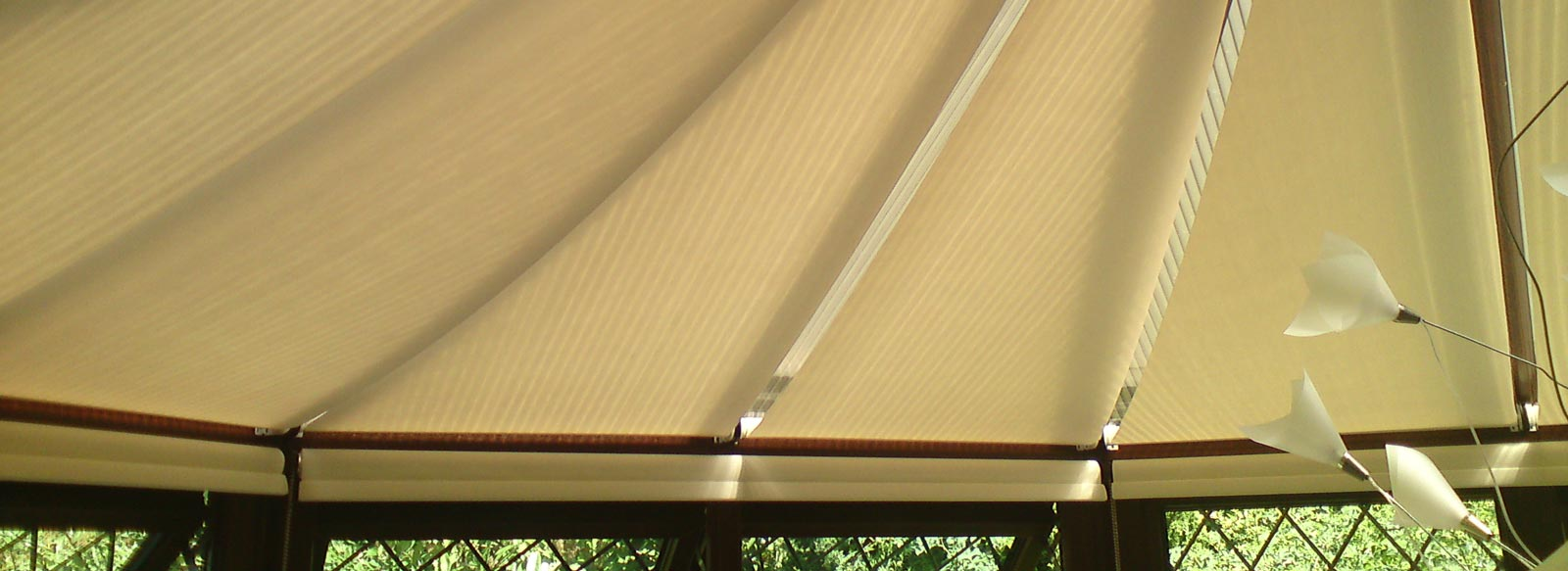 marla conservatory roof roller blinds